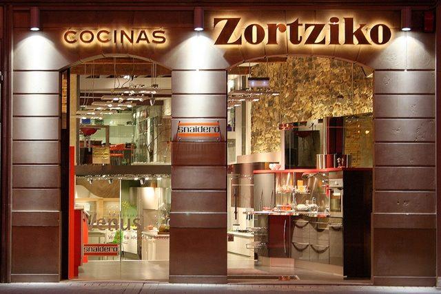 https://www.zortziko.com/wp-content/uploads/2018/06/Fachada-Zortziko3_640x480-640x427.jpg